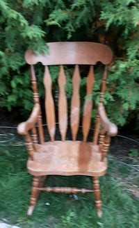 Maple Wood Colonial Style Rocking Chair Barrie, L4N