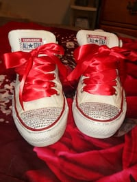 CONVERSE BLING..SIZE 9 WOMAN'S