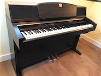 Yamaha Clavinova CLP990 like New