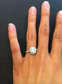 Gorgeous Tiffany & Co. Soleste Engagement Ring VANCOUVER