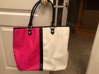 Women's white, black and pink Armani tote bag Notre-Dame-de-l'Île-Perrot, J7V