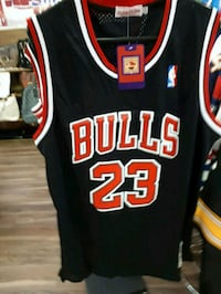 black and red Chicago Bulls 23 jersey Montréal, H3W 1L4