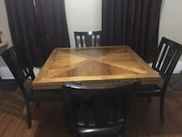Dining room table  Elgin, 60120
