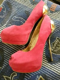 Stilletos Size 8  Des Moines, 50316