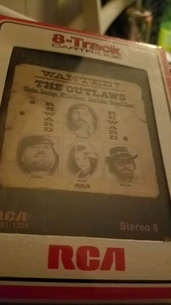 The outlaws 8track Unopened  1d789287-9495-4a6f-b07e-52cde03c8f53