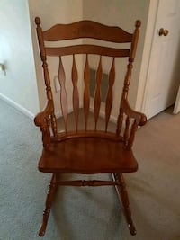 Wooden Rocking Chair Like New Crofton, 21114