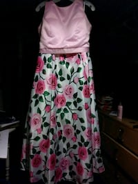 women's pink and white floral sleeveless dress Erie, 16505