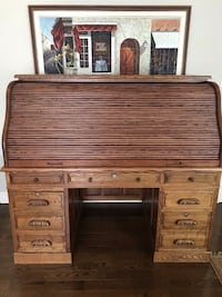 Desk. Roll top oak with marble top and light  Markham, L3R 7L5