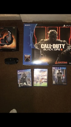 Sony PS4  Call of Duty Black Ops 3 bundle