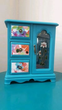 Refinished floral wood jewellery box Caledon, L0J 1C0