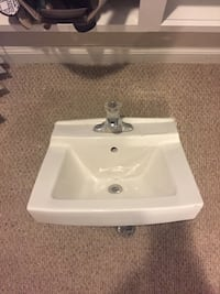 Wall mount sink Baltimore, 21201