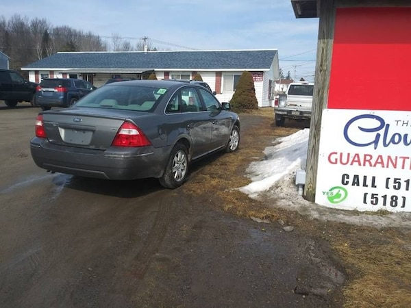 2006 Ford Five Hundred SEL AWD 4dr Sedan 0716d225-d848-40fb-8a83-e23b60d31dad