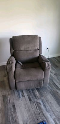 Mechanical recliner with lift assist Mount Angel, 97362