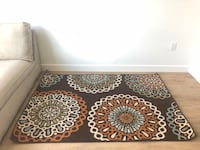 Patterned area rug approx 3'x5' almost new! New York, 11101