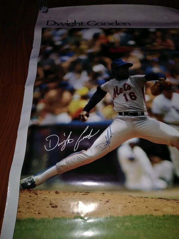 Dwight gooden autograph original 23x35 027799be-a0b1-45c9-8bfd-b864f62926da