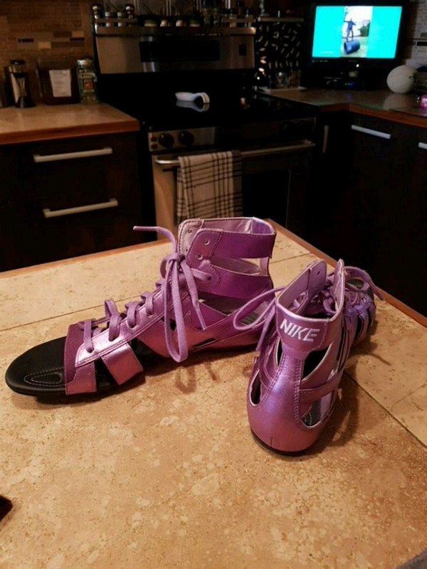 7a3ef544a907 Used pair of purple leather open toe ankle strap heels for sale in Montréal  - letgo