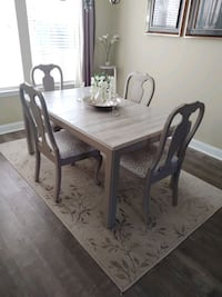 Drexel dining table and 4 chairs