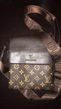 Black and brown louis vuitton leather crossbody bag Vaughan, L6A 0K2