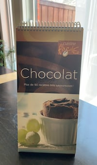 Chocolate cookbook (francais) free with bundle Montréal, H4R 3N1