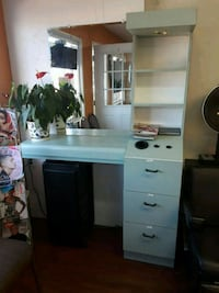 2 Beauty station great condition,    Rialto