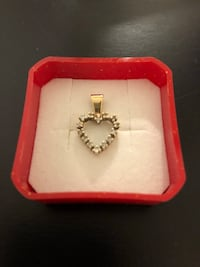 Authentic Diamond gold heart necklace