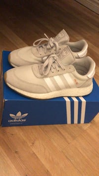 pair of white Adidas low-top sneakers with box Toronto