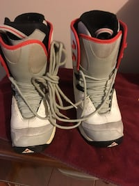 Liquid snow board boots 7.5 Pickering, L1V