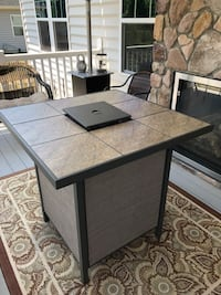 Rectangular black wooden table with four chairs dining set Warrenton, 20187