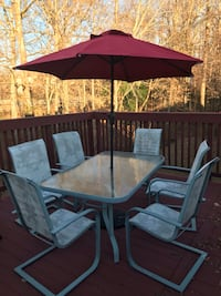 Outside table and 6 chairs