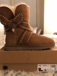 UGG Australia (Authentic) Woman's Mabel Boots, Chestnut, 9 US, New Gambrills, 21054