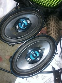 two black-and-blue coaxial speakers Springfield, 65807