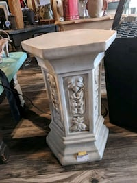 Pedestal table / stand Seminole, 33772