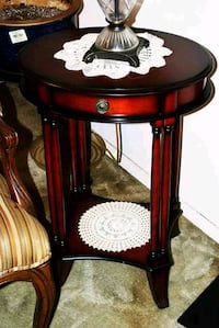 Wooden End Table North Bergen, 07047