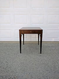 Hekman end table $125 Firm Duluth, 30096