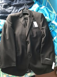 Brand new suit and pants 624 km