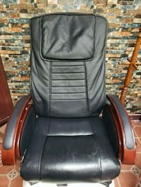 black leather padded rolling armchair Hialeah, 33015