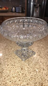 Bohemian crystal vase brand new. No box. Made in Chez. Hand cut. Stanton, 90680