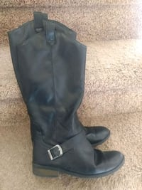 Brand new Boots size 4