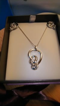 Micheal Hill PENDANT & EARRING SET: 0.13 CRT TW DIAMONDS IN STERLING SILVER  541 km