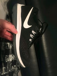 Ladies size 6 Like new Nike runners Winnipeg, R2C