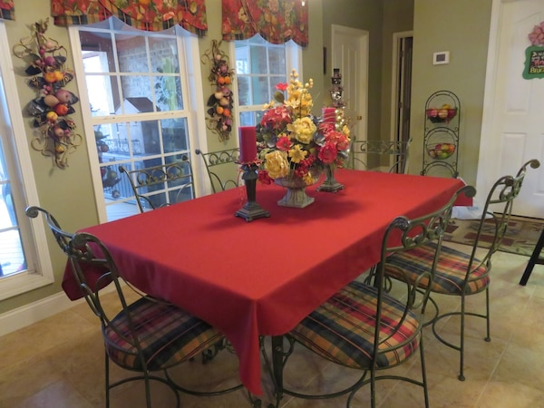 Beautiful Wrought Iron/Marble/Glass Kitchen Table & Bakers Rack