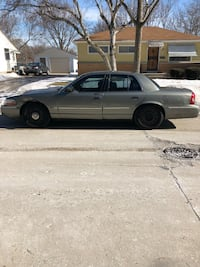 Ford - Crown Victoria - 2004 Milwaukee