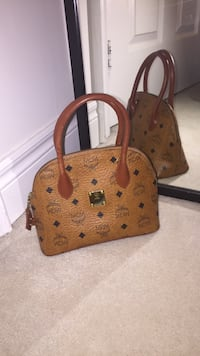 Authentic mcm mini bag  Toronto, M1V