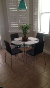 Dinette table and 4 chairs.  Orlando, 32828