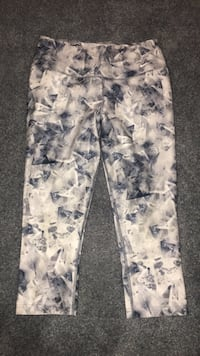 white and gray floral pants 3162 km