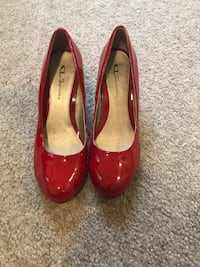 pair of red leather heeled shoes Elk Grove, 95758