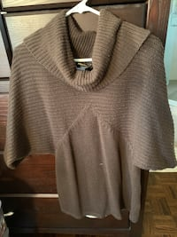 Cowl neck sweater. Mississauga, L5R