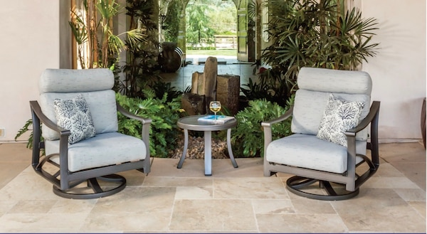 Tropitone Patio Furniture Set