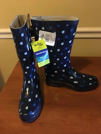 Rain boots size 7 New!