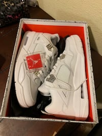 Jordan 4s pure money size 9.5 Lakewood, 80228